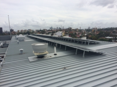 Multi-storey apartment block, Surry Hills (ballasted system): 8kW LG/Fronius system